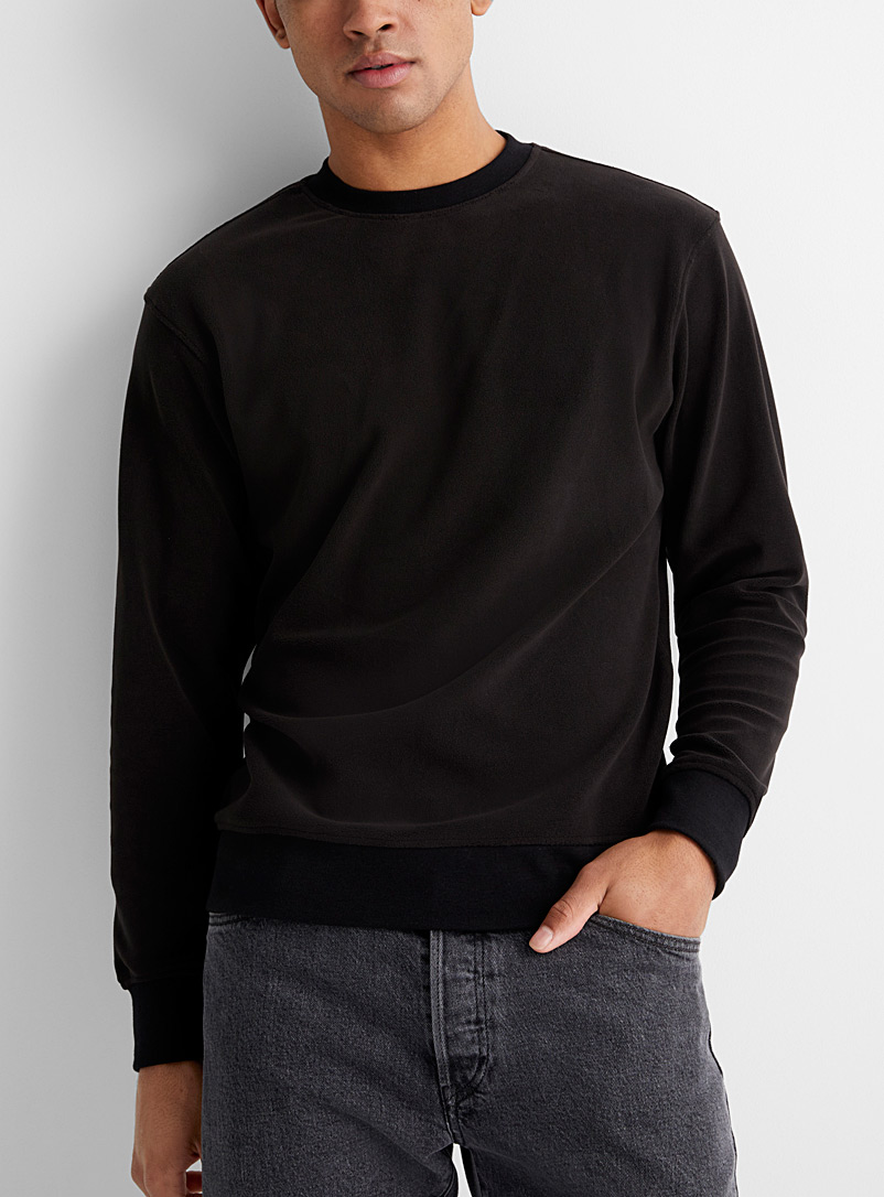Le sweat polaire monochrome