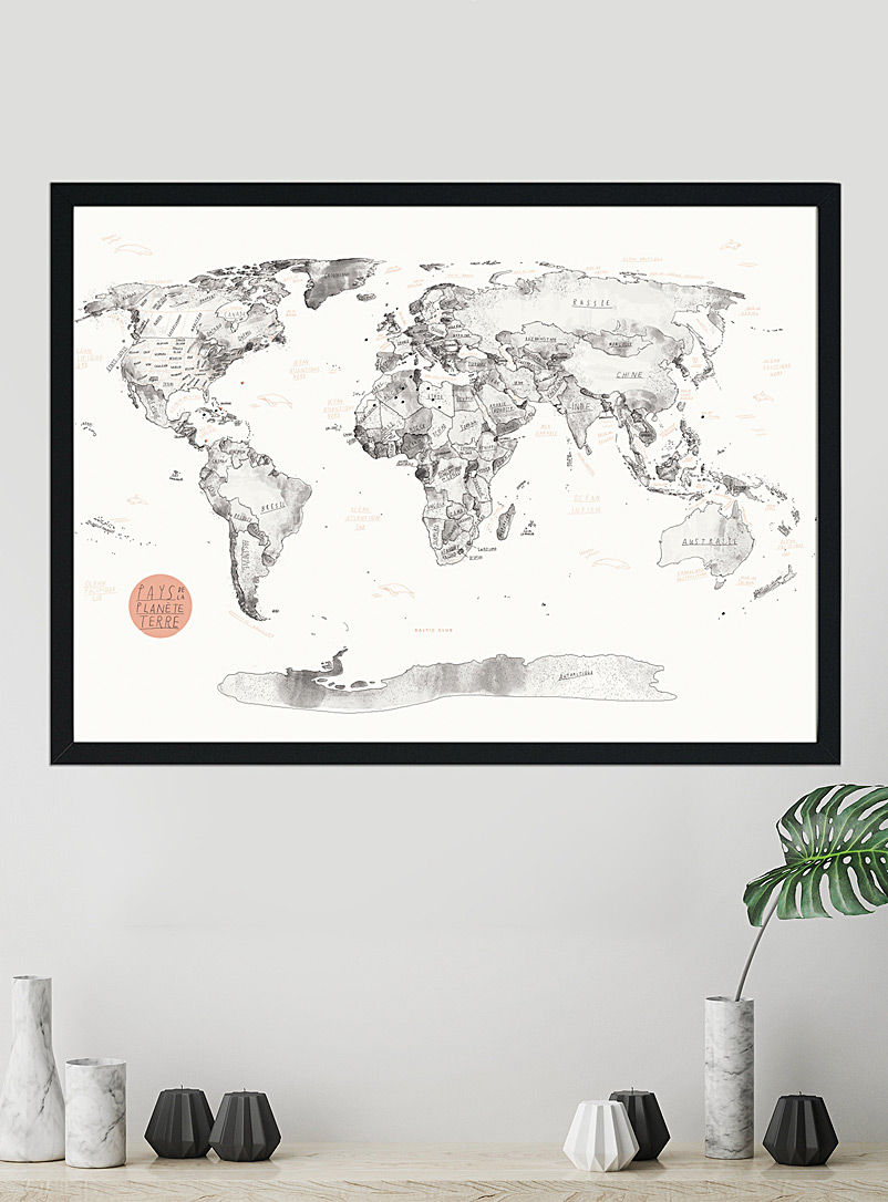 Baltic Club French World map pinboard with push pins  3 sizes available