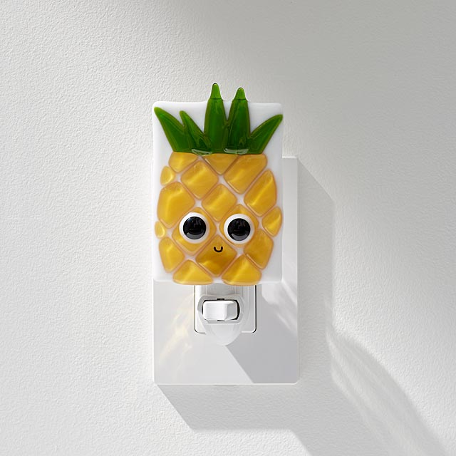 eduardo-pineapple-nightlight