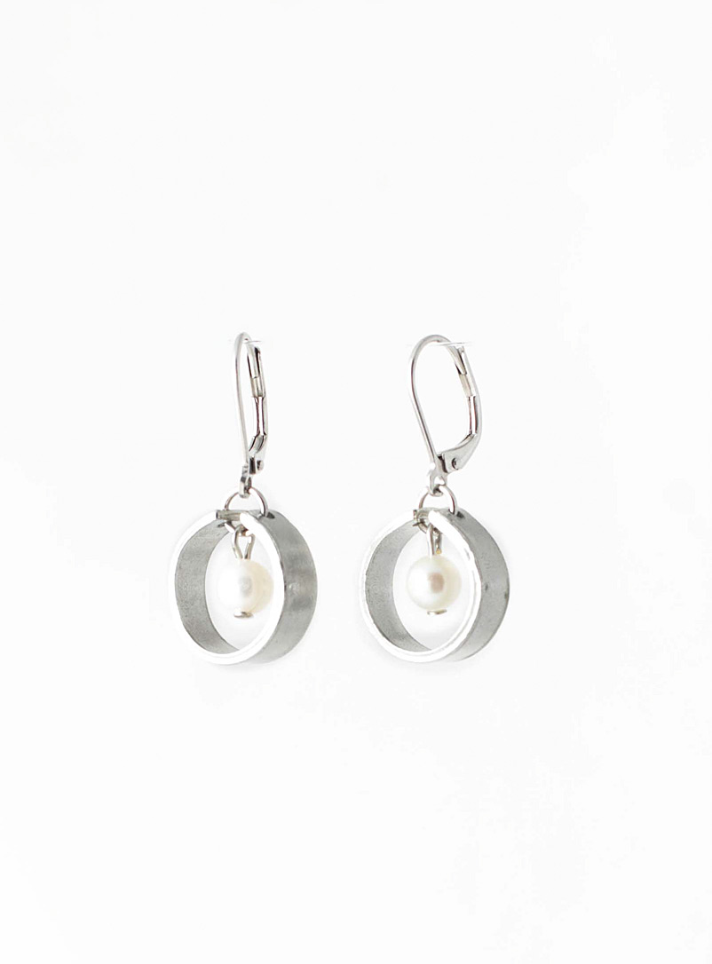 Anne-Marie Chagnon Pearly Andrea earrings