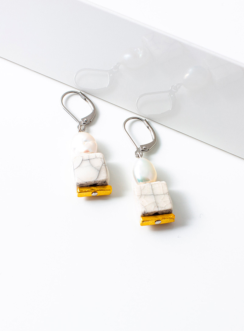 Anne-Marie Chagnon White N°25 Clara earrings