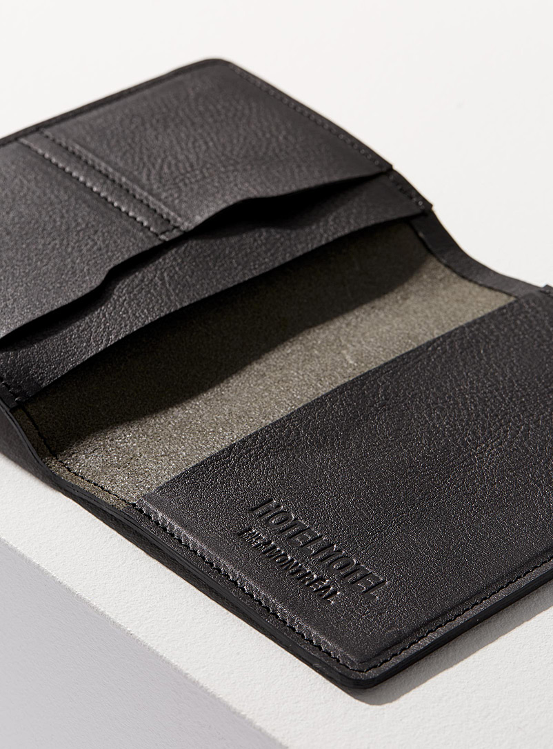Voyager passport holder - HOTELMOTEL - Black