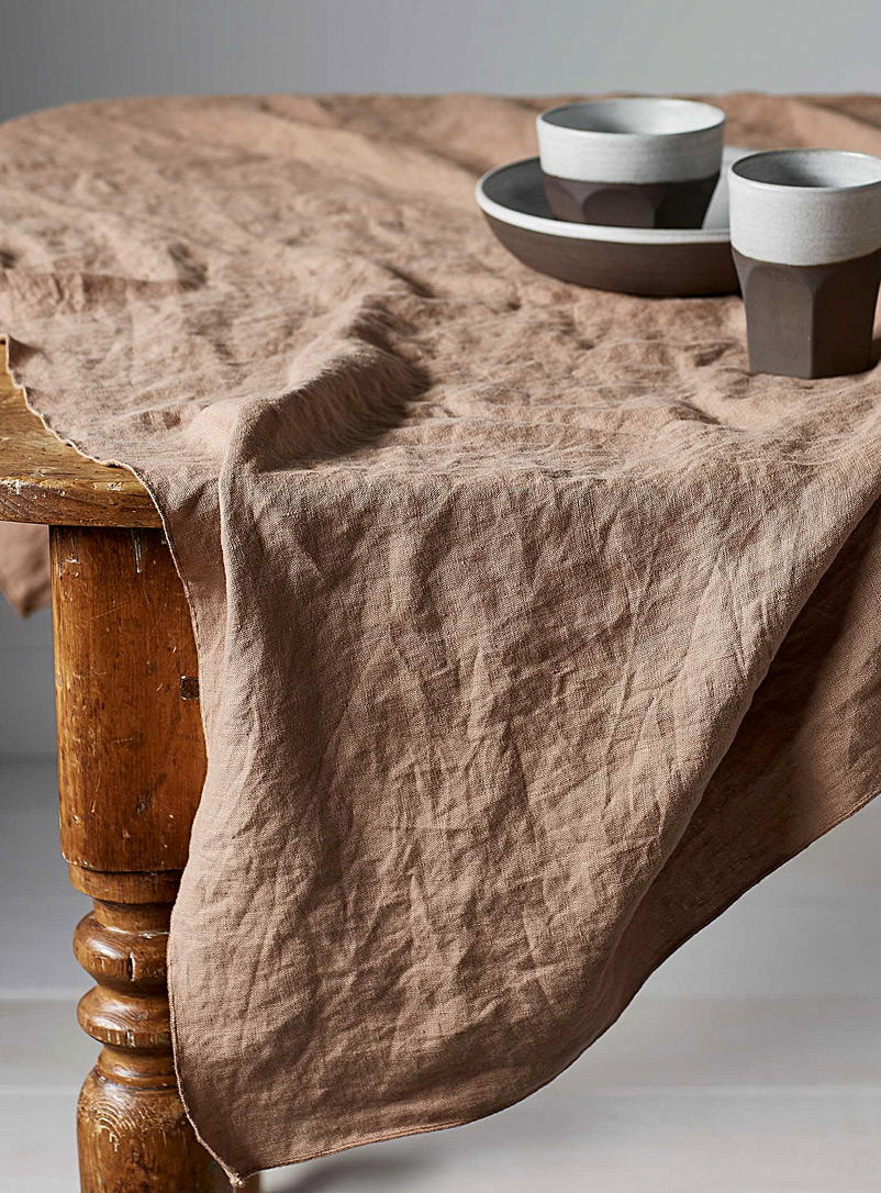 linen-tablecloth