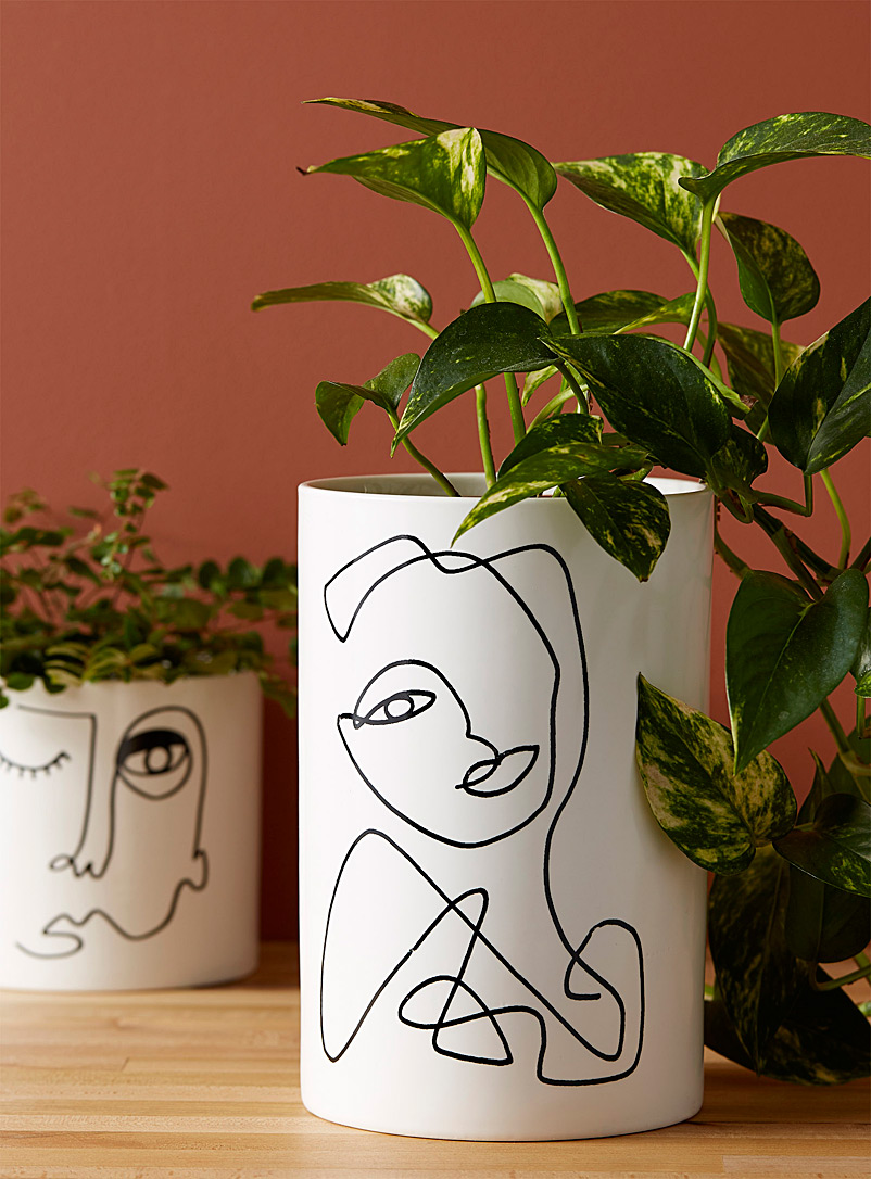 Simons Maison Patterned White Abstract face pot