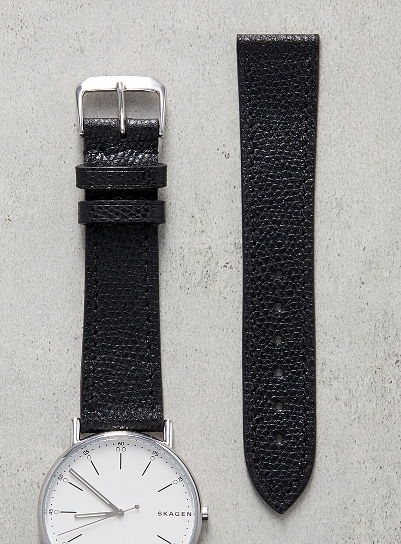 impeccable-black-watch-band