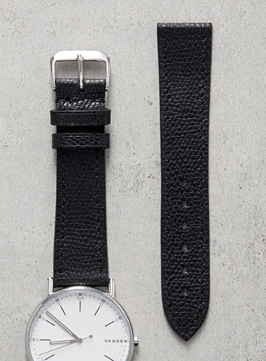 Impeccable black watch band