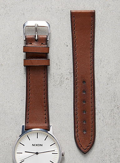 Impeccable vintage burgundy watch band