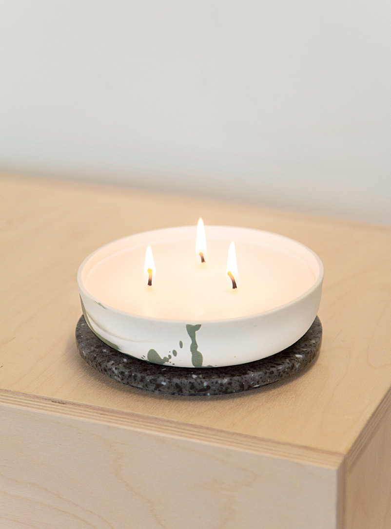 Studio îlot Mossy Green Porcelain and Corian jar wintry scented candle