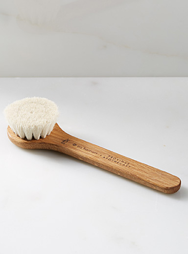 Daily glow dry brush