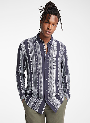 Nomad stripe fluid shirt <br>Semi-tailored fit
