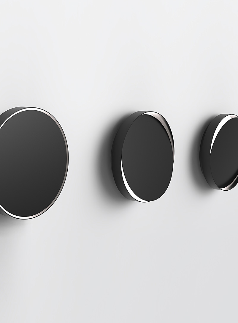 Anony Black Horizon wall light