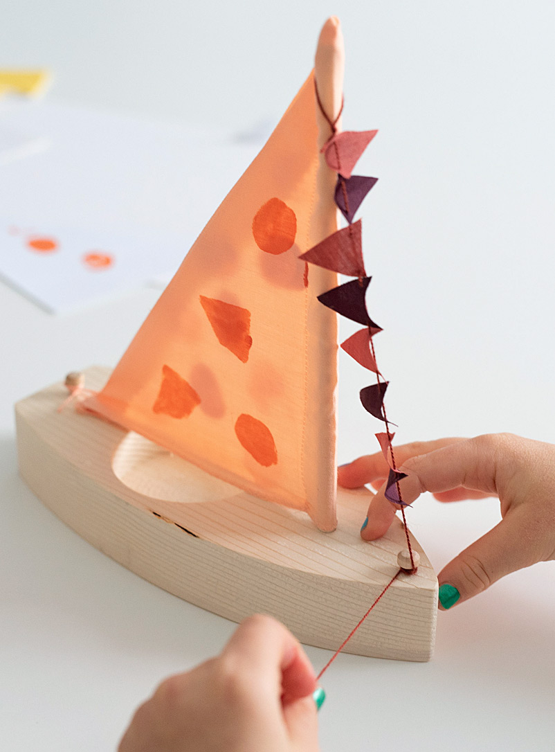 Des enfantillages Peach Little sail boat DIY kit