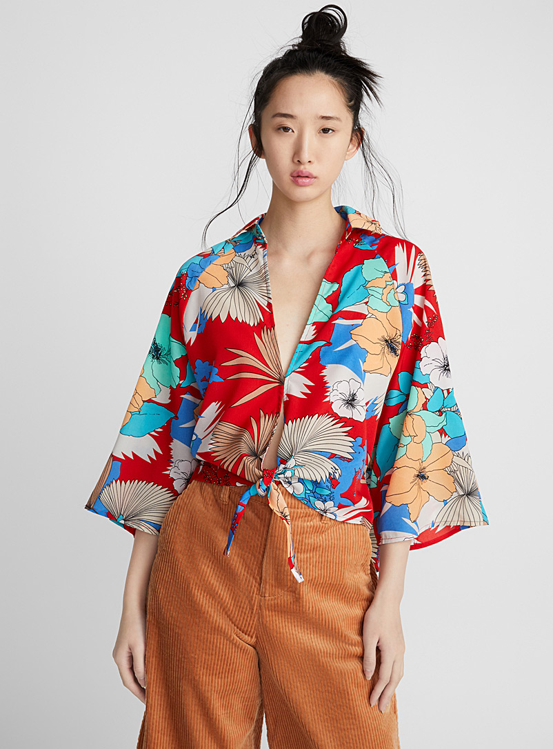 bright-floral-blouse