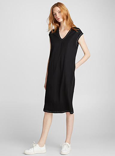 Loose topstitch-accent dress