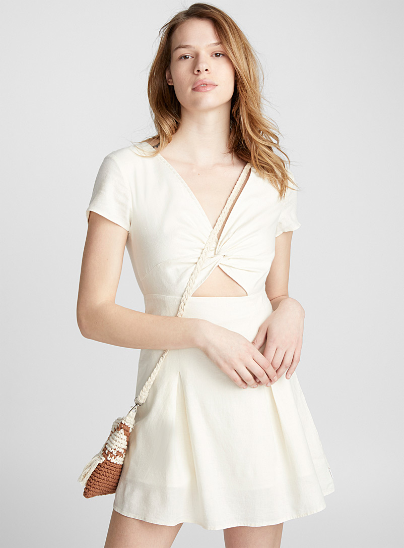 accent-knot-pleated-dress