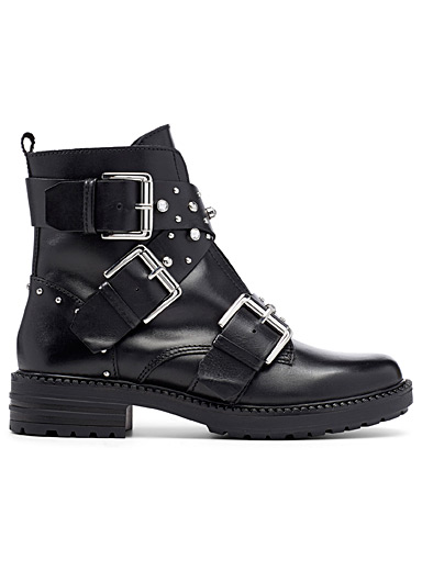 Alert leather boots
