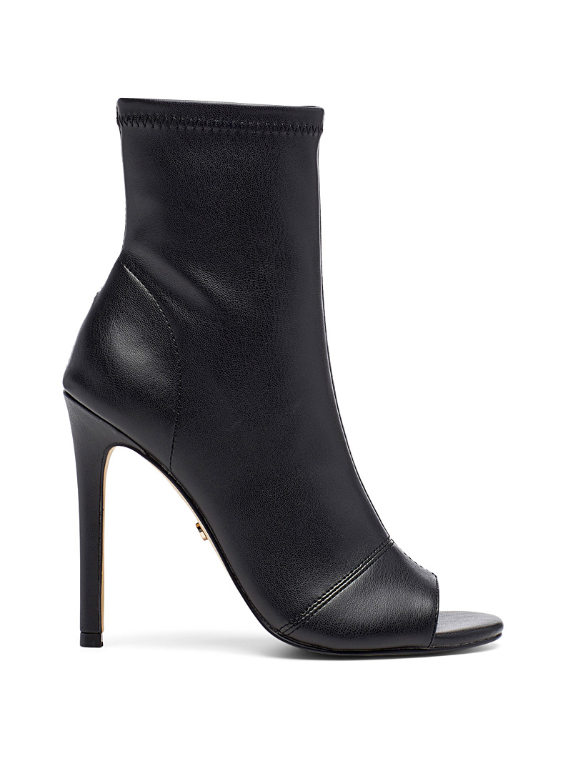 aware-stiletto-heel-boots