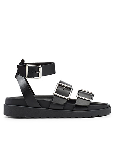 Stingray buckle sandals