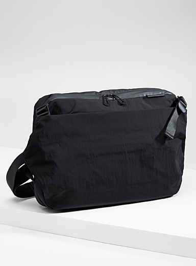 Cote & Ciel Black Riss MemoryTech bag for men