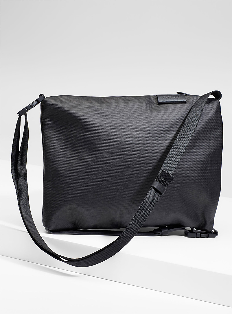 inn-shoulder-bag