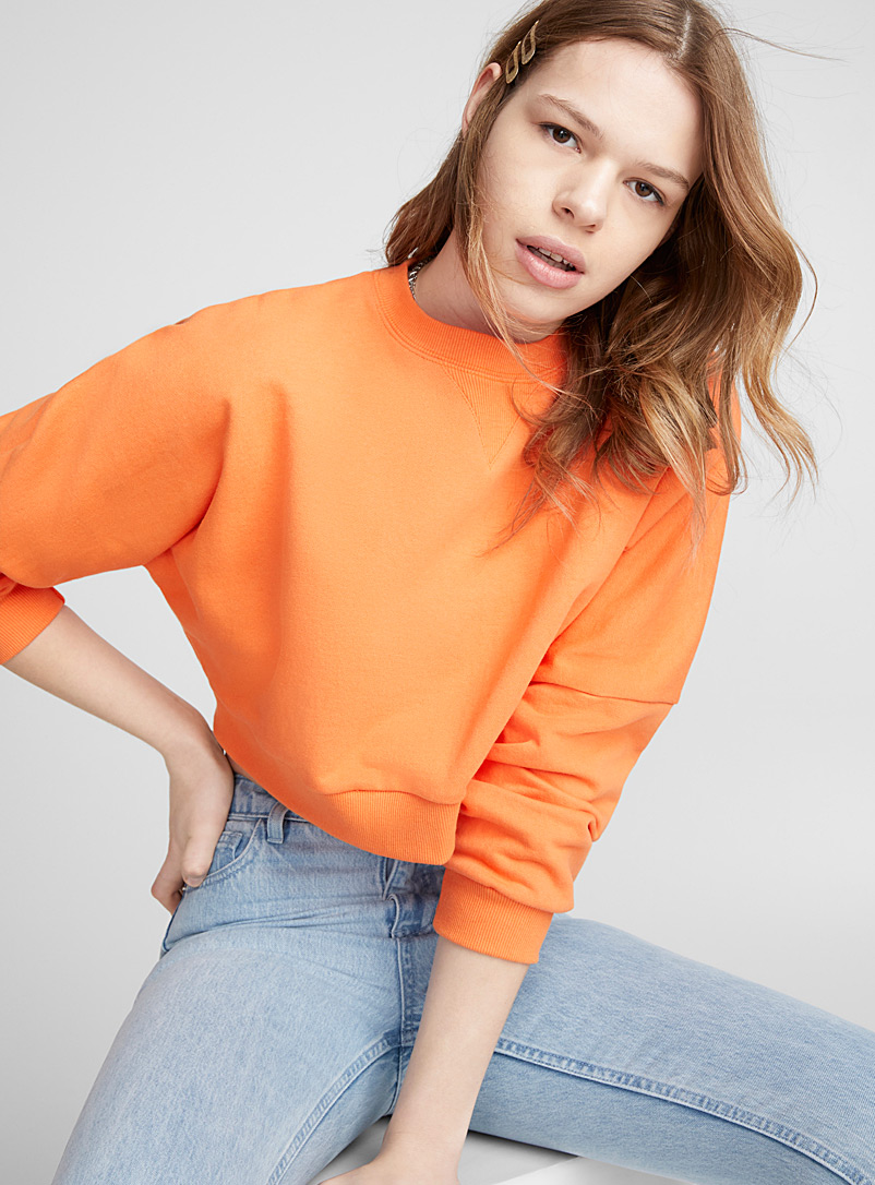 loose-v-neck-ribbed-sweatshirt