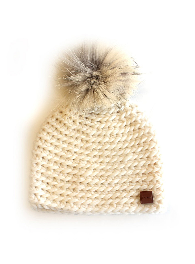 Recycled fur pompom hand-knit tuque