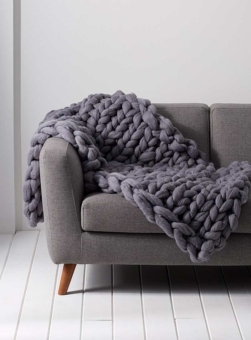 large-chunky-knit-throw