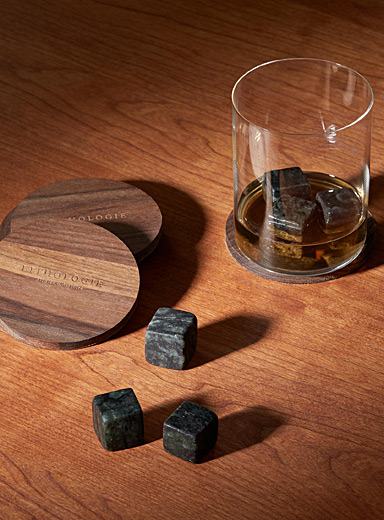 Le grand ensemble de dégustation à whisky gneiss à hornblende