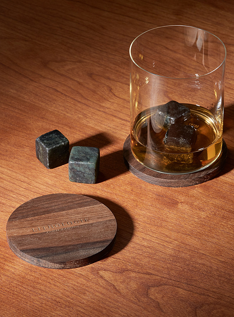Hornblende gneiss small whiskey tasting set