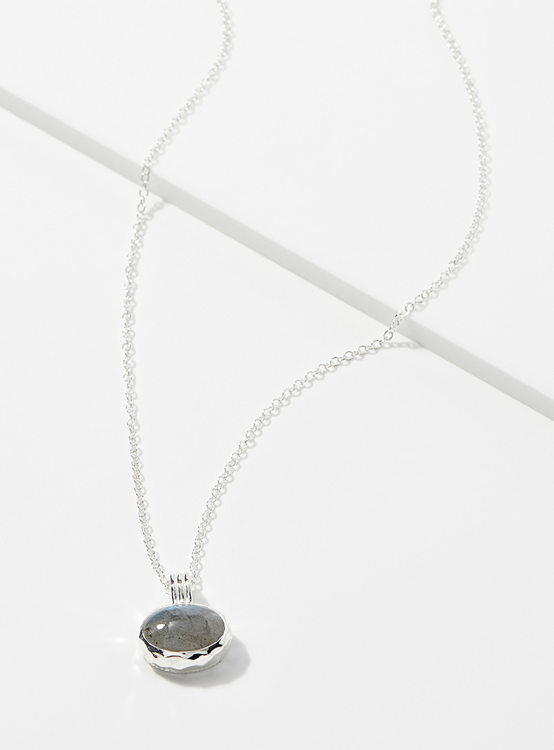 polished-labradorite-necklace