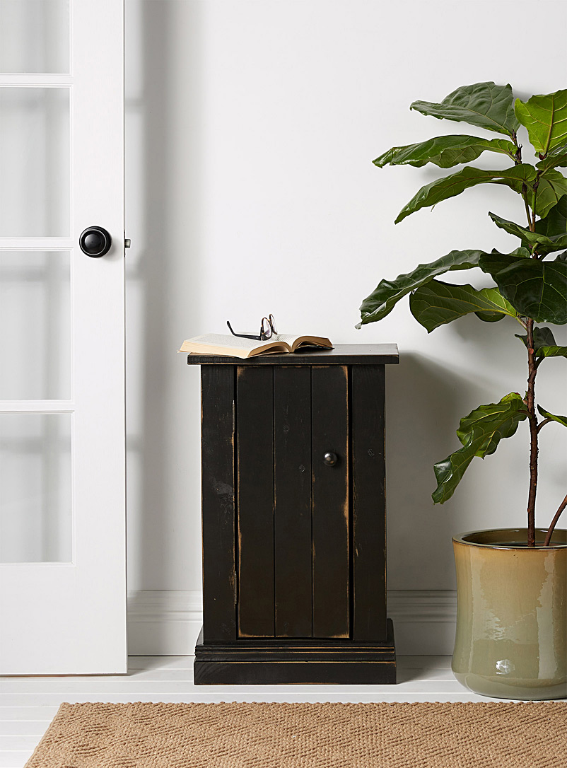 Springwater Woodcraft Black Vintage black Haggerty accent table