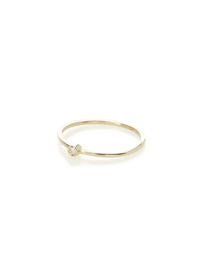 minimalist-mini-diamond-ring