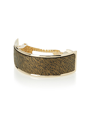 Textured ring barrette