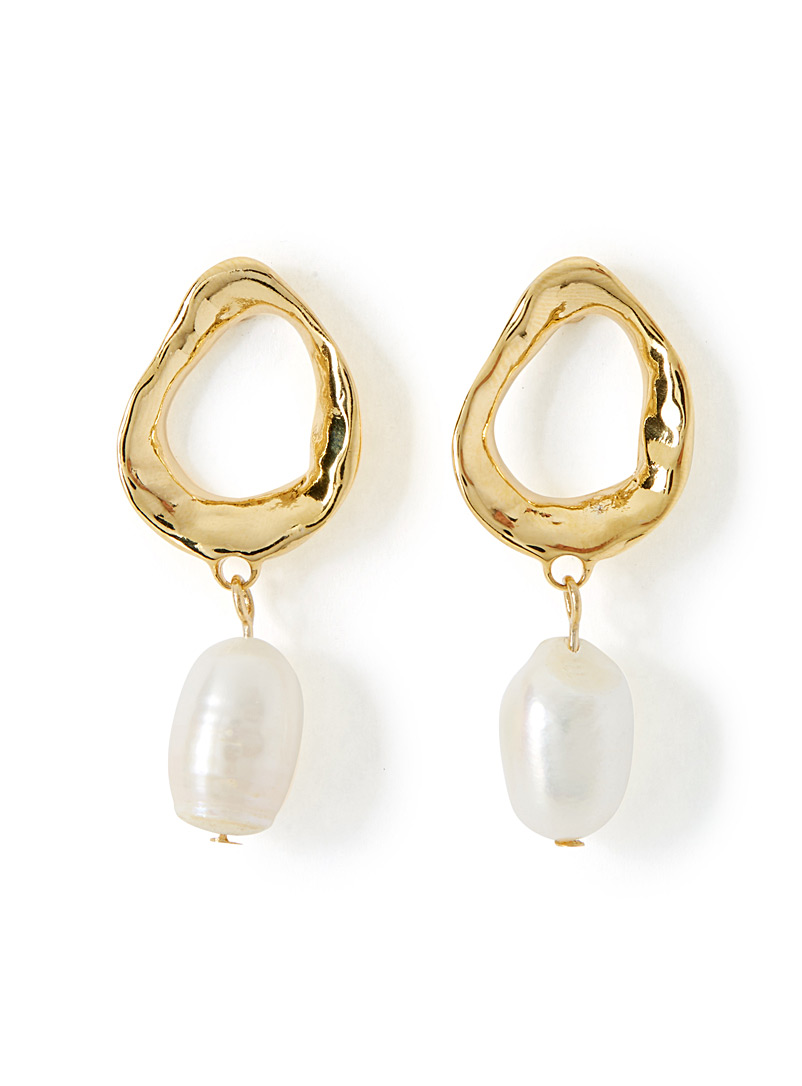 pearly-hammered-earrings