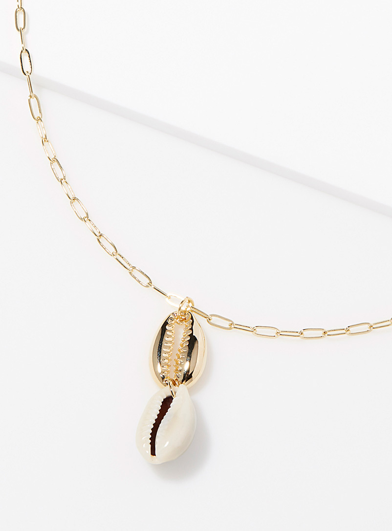 le-collier-chaine-coquillages-bicolores