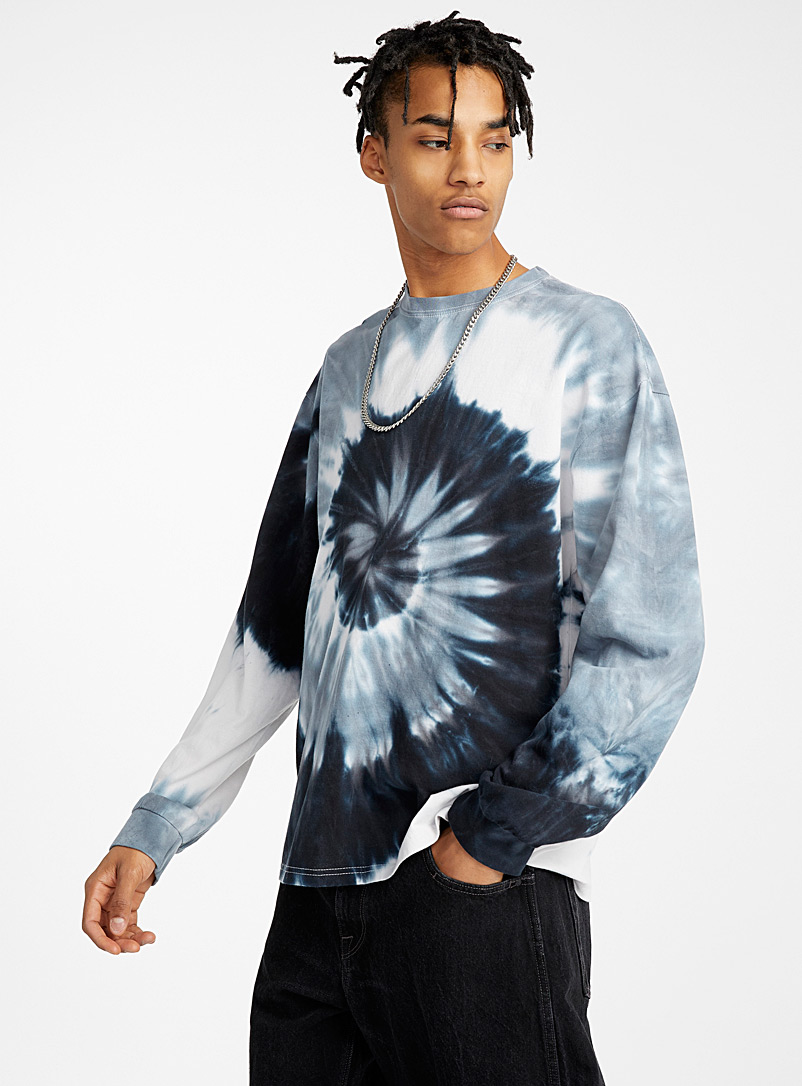 dark-tie-dye-loose-t-shirt
