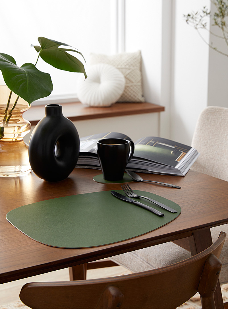 Vacavaliente Bottle Green Forest green recycled leather placemat