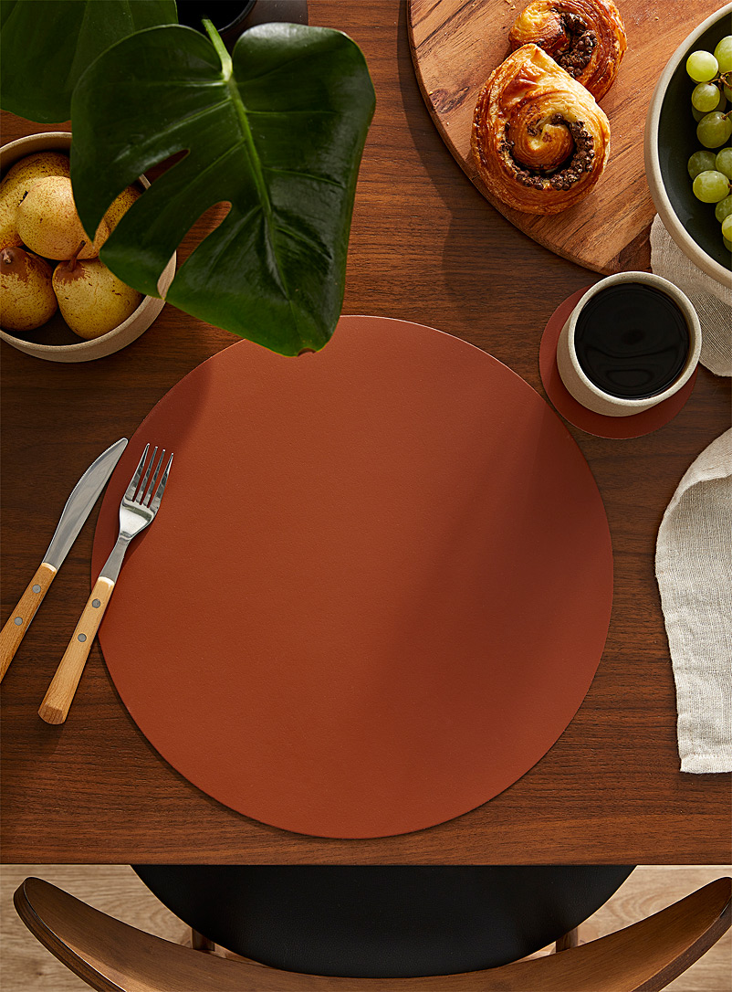 Vacavaliente Copper Cognac recycled leather placemat