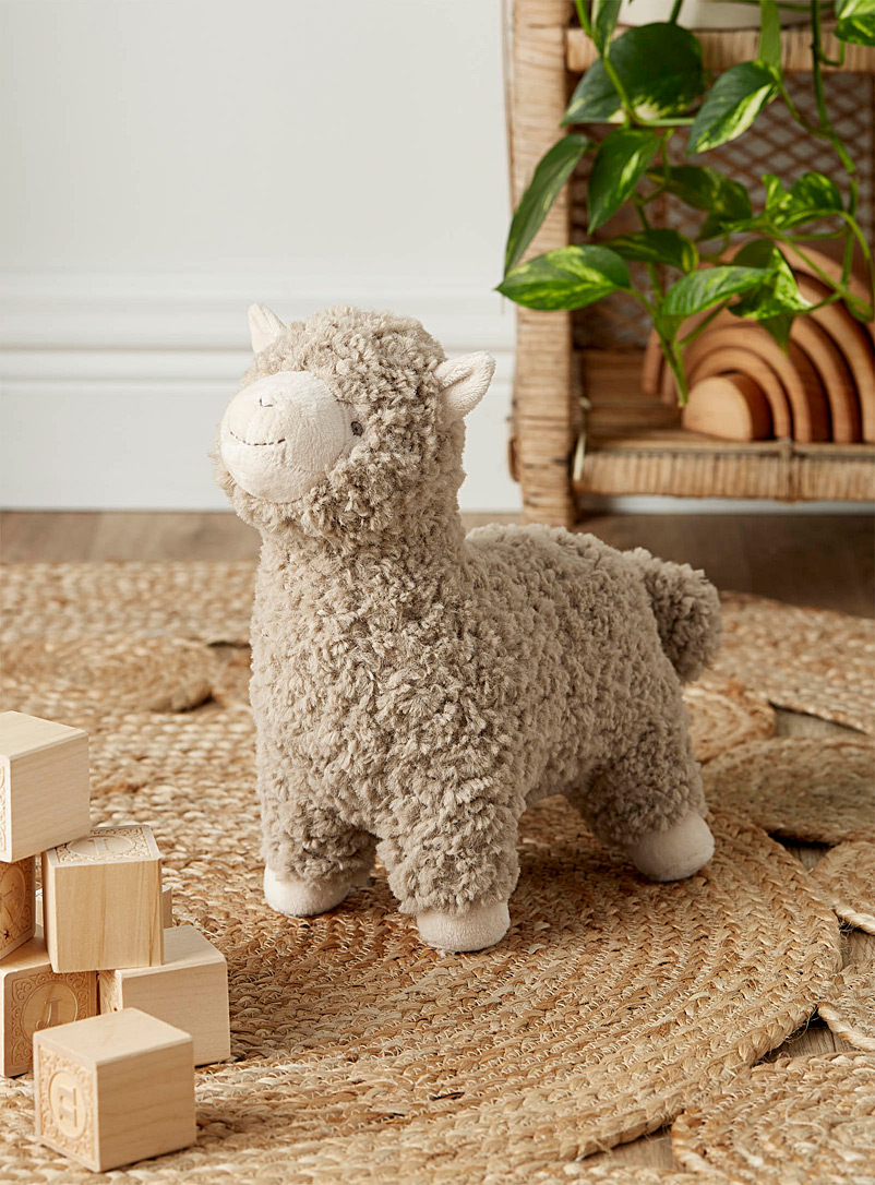Little alpaca plush toy