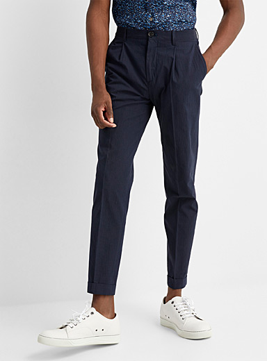 Le pantalon coton finement côtelé