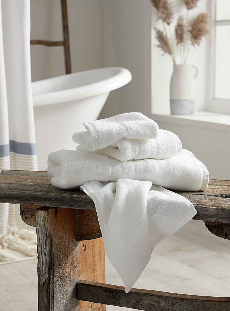 Simons Maison White Luxuriously soft Turkish cotton towels