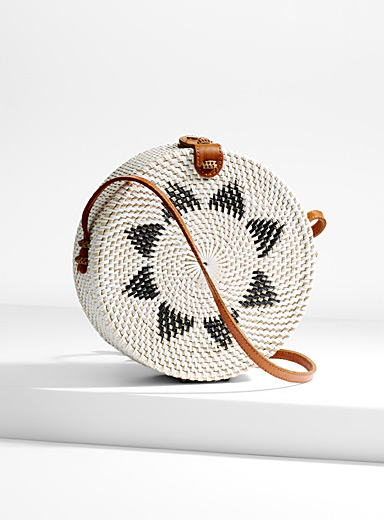 Two-tone round straw shoulder bag