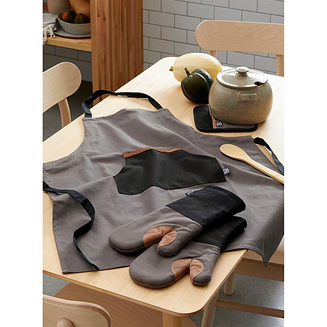 leather-accent-oven-mitts-set-of-2