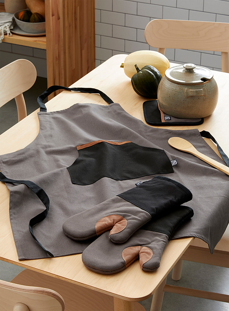 Simons Maison Grey Leather accent accessories