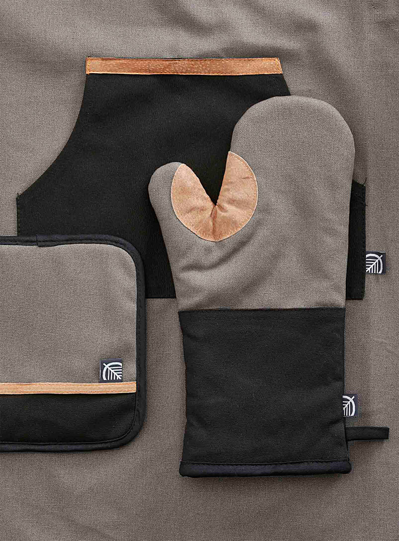 Simons Maison Grey Leather accent oven mitts  Set of 2