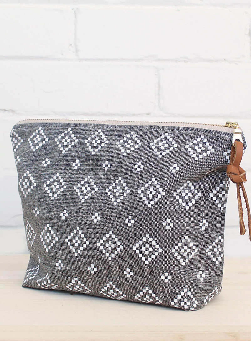Folk style clutch - Smith Made - Black and White
