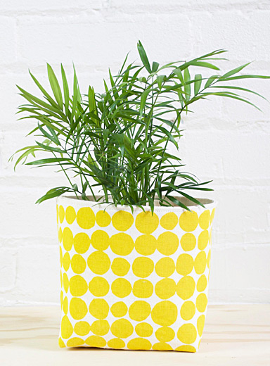 Large all-yellow basket