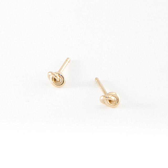 knot-gold-earrings