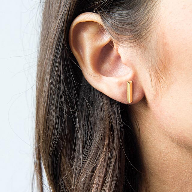brass-line-earrings