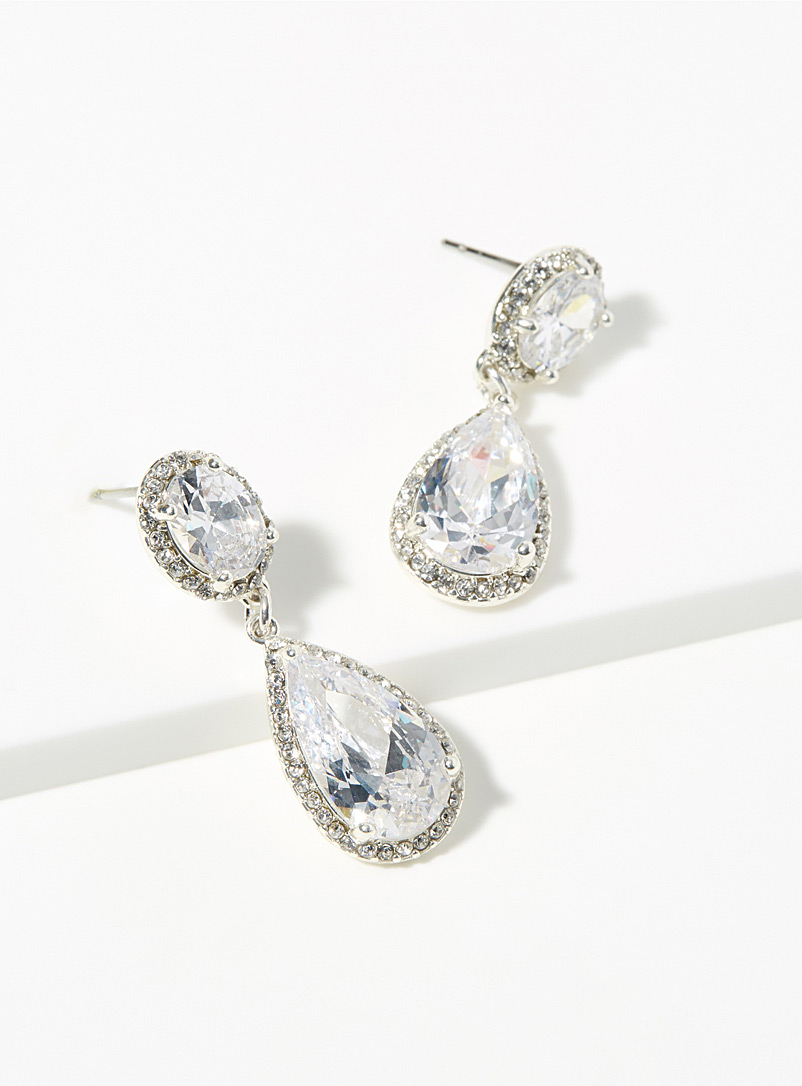 glamourous-crystal-pendant-earrings